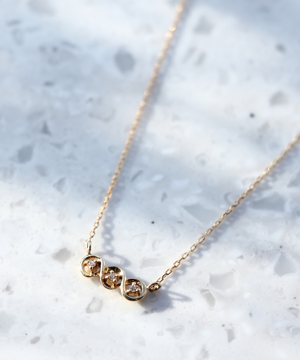 【WEB限定】trois diamants barネックレス