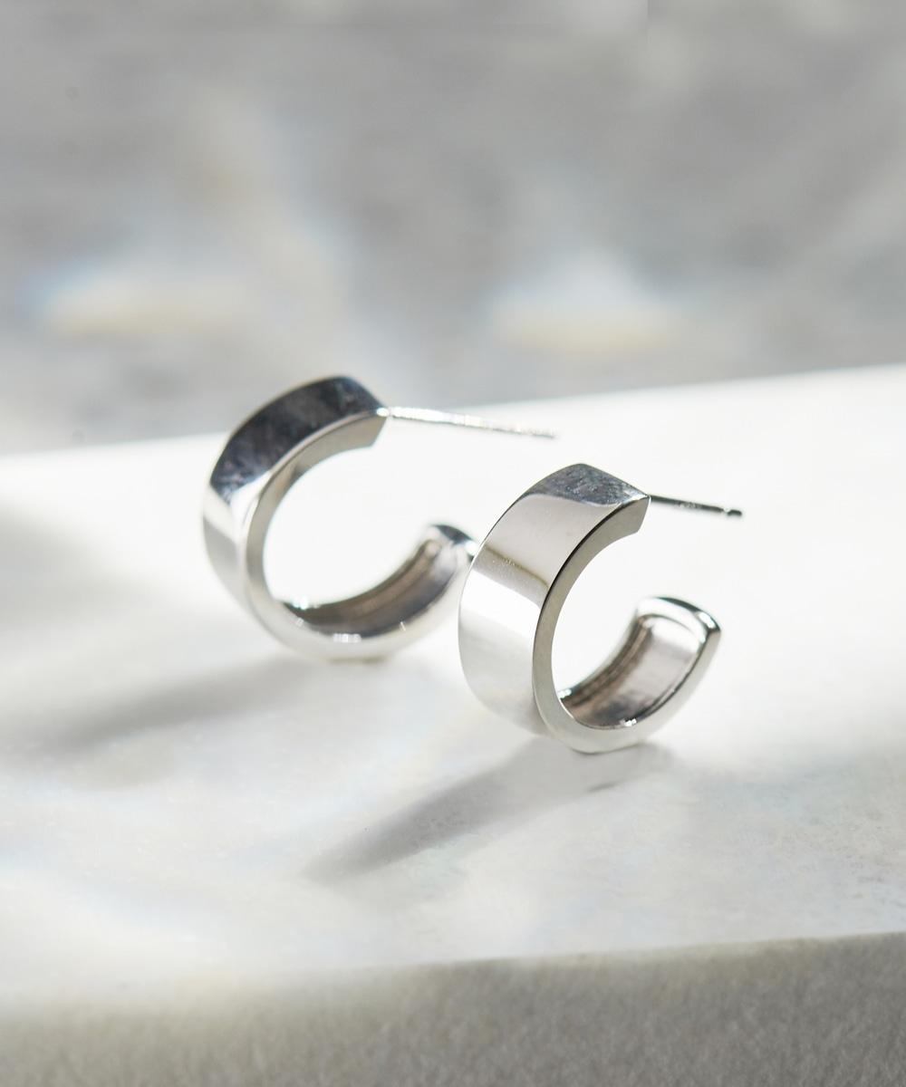 stylish silver hoopピアス