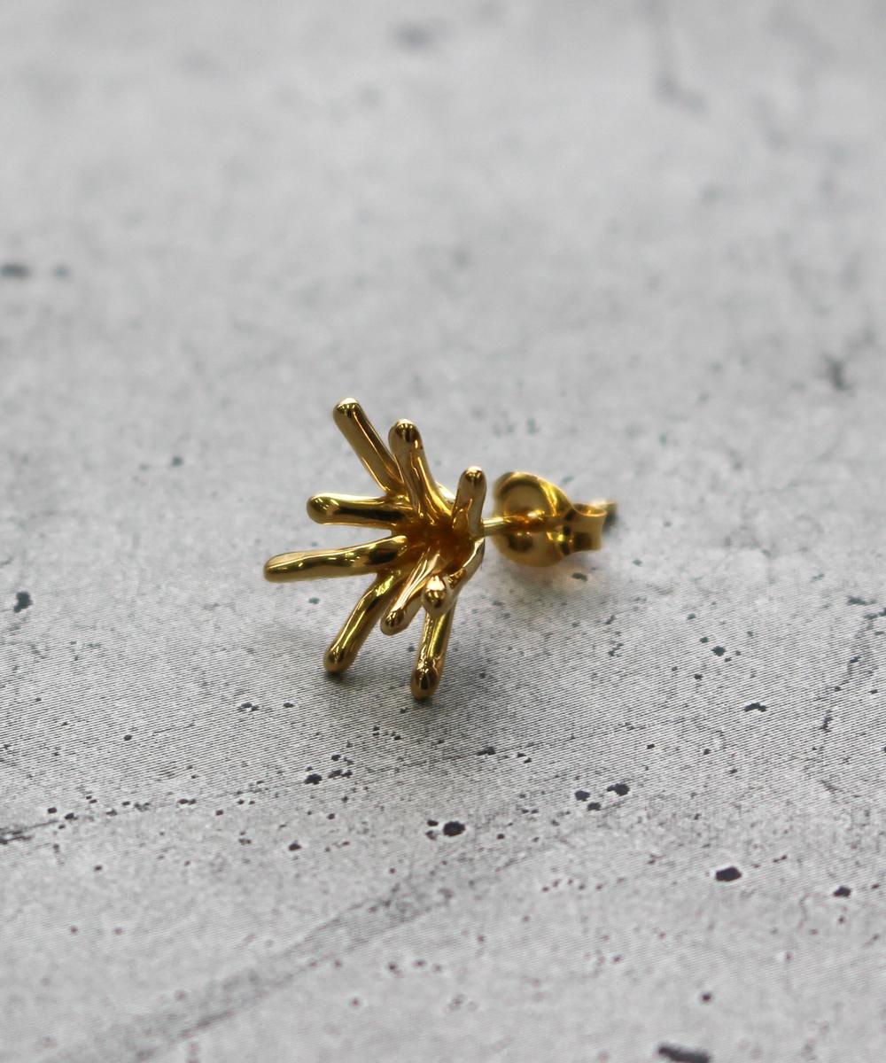 【予約】【片耳】spark SSピアス gold