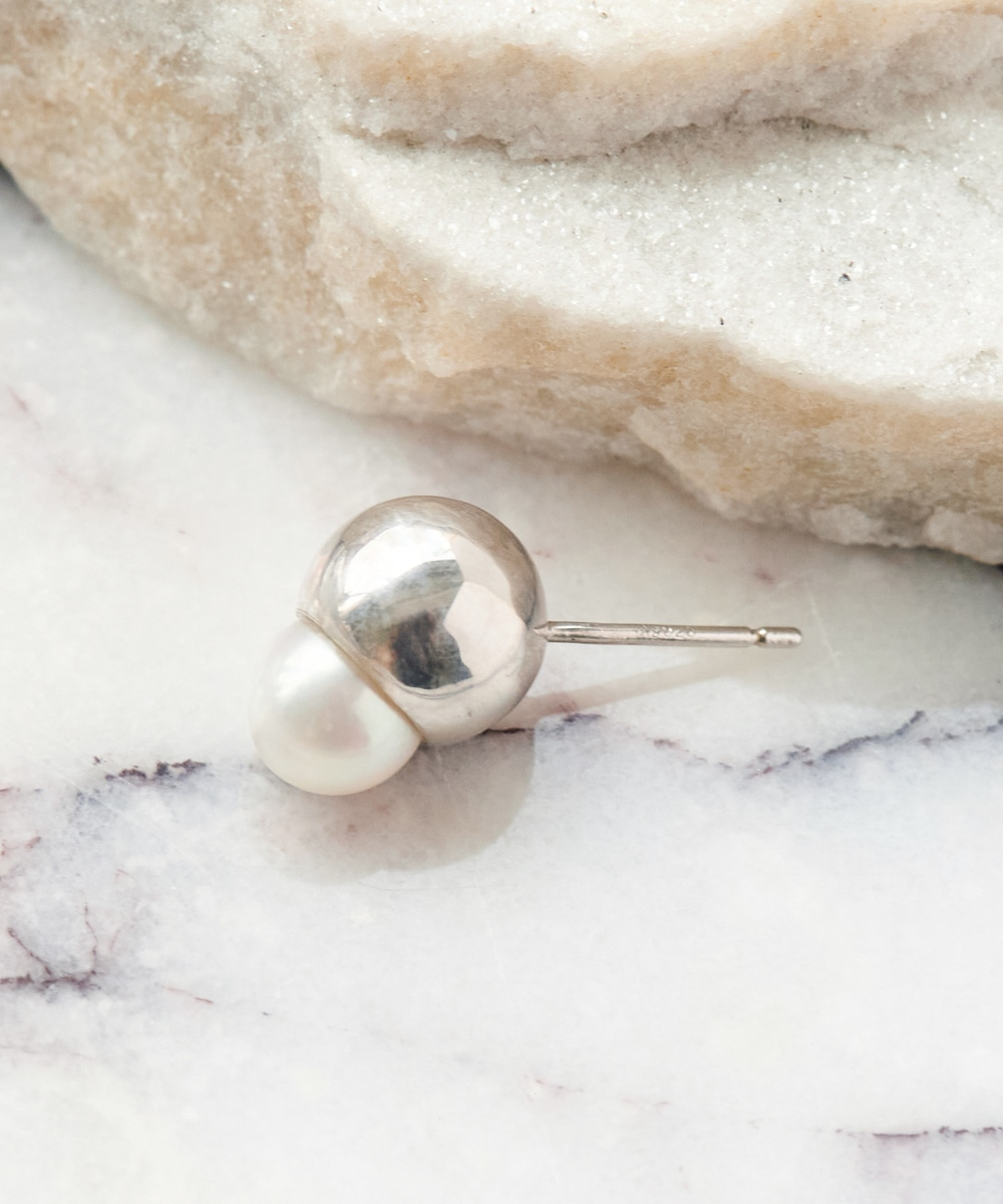 solid pearlピアス(round,silver,0.5ペア)